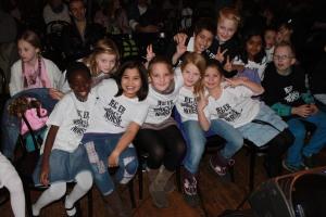 Barn med gnistrende engasjement
